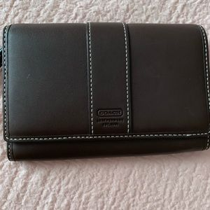 Coach wallet NWOT buttery brown soft leather!